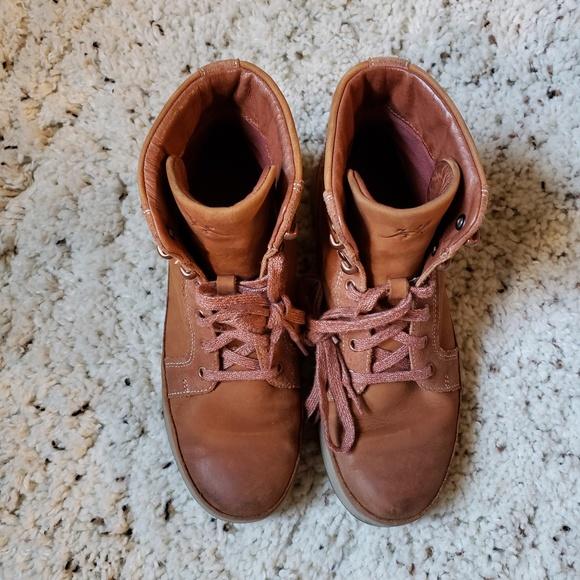 22fdf381e29 Chaco Women's Sierra Waterproof Boots